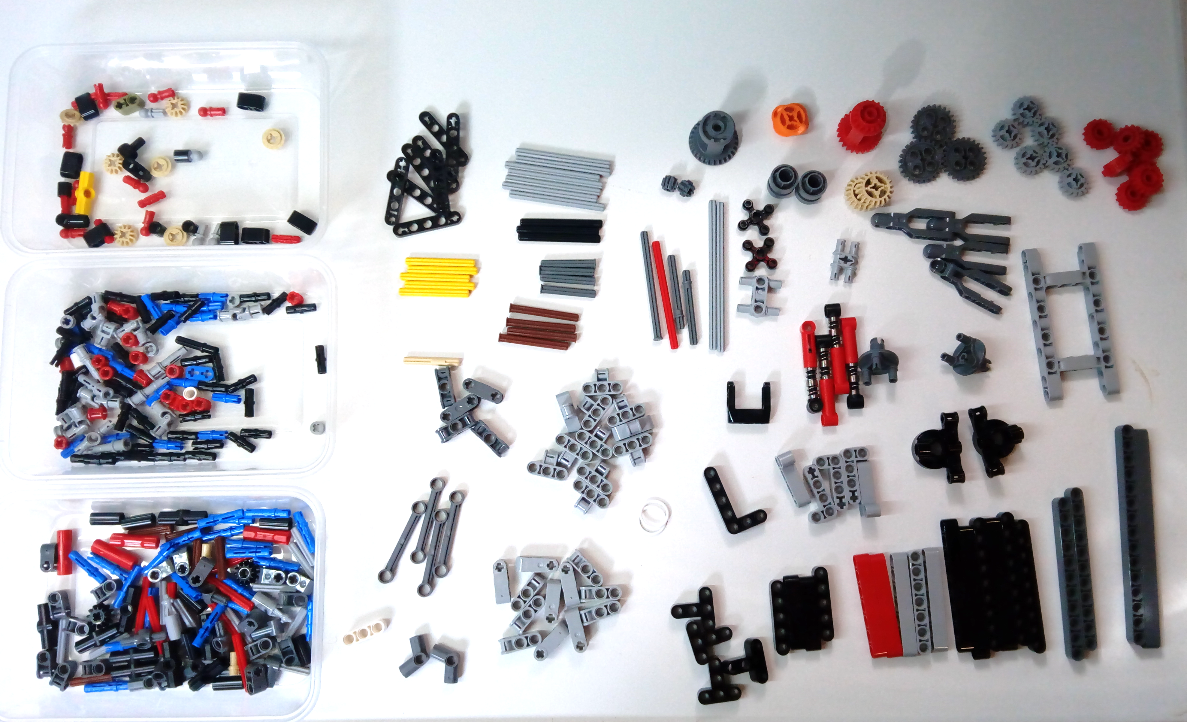 New Genuine 14 Parts Lego Technic 2x Differentials plus 2x Spare Gears